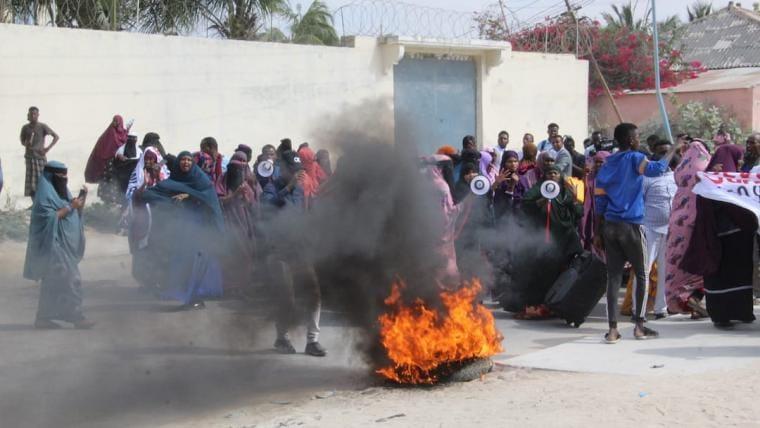 Somalia: Averting a Descent into Political Violence - report of Crisisgroup