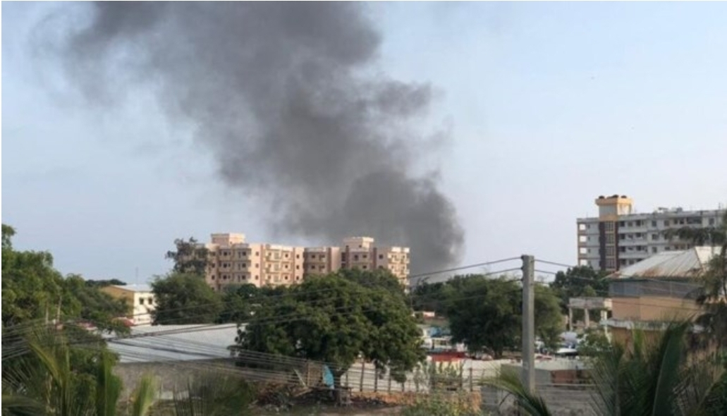 Ten soldiers killed in suicide bomb attack at military base in Mogadishu