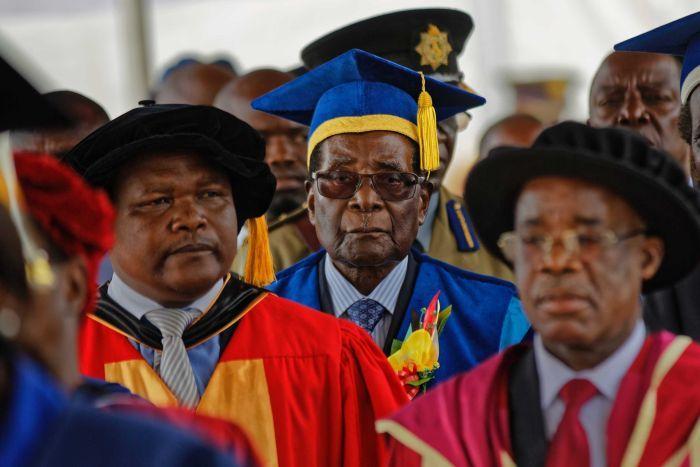 Robert Mugabe remains Zimbabwean president