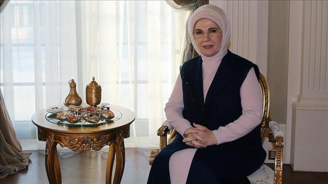 Somali supermodel Iman thanks Turkish first lady