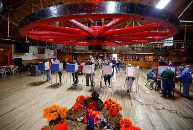 Republican U.S. election sweep would boost short sellers: Lamensdorf