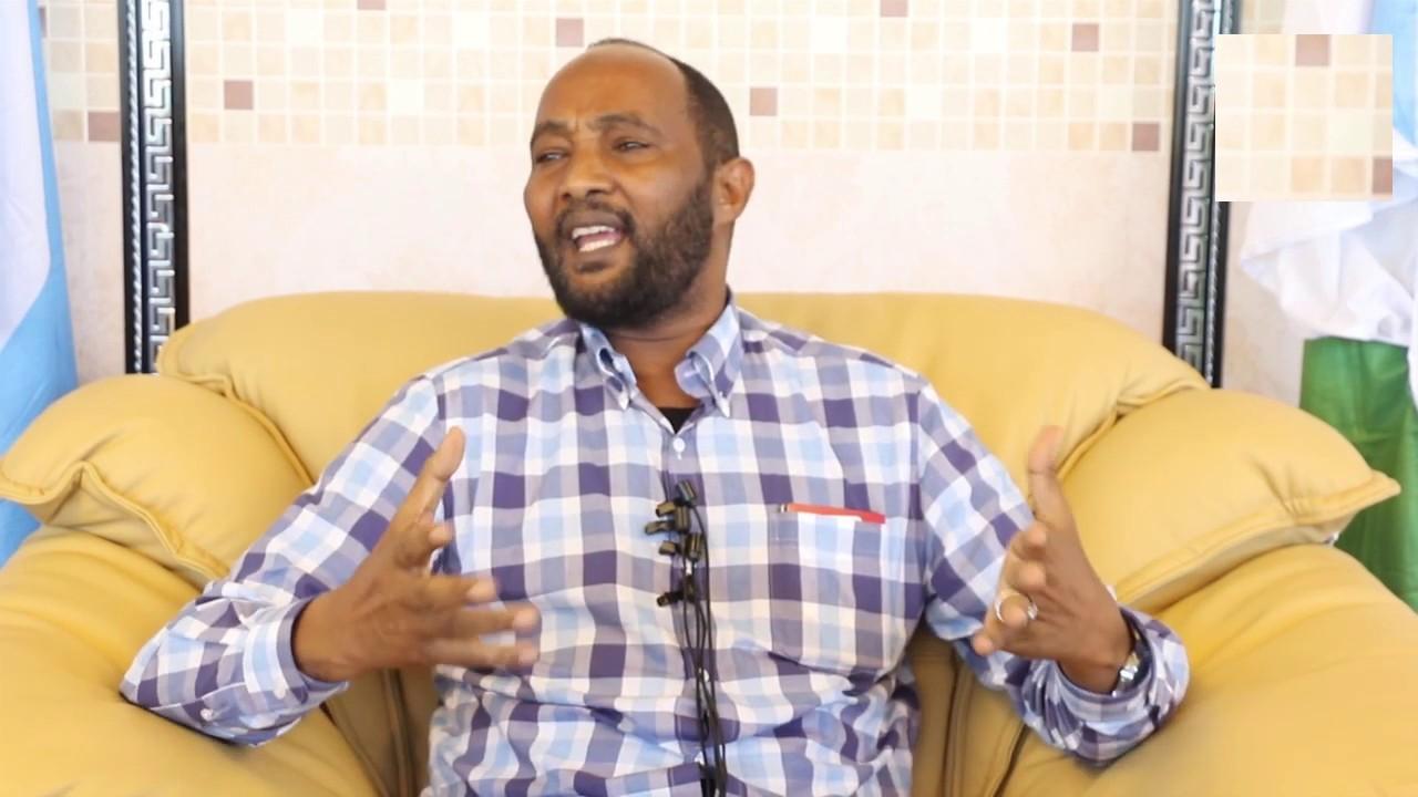 [Dhageyso] Xoghayaha guud ee Rugta Ganacsiga Somalia oo kashifay sababta loogu xanibay Muqdisho Airport xilli uu ku socday Jubaland