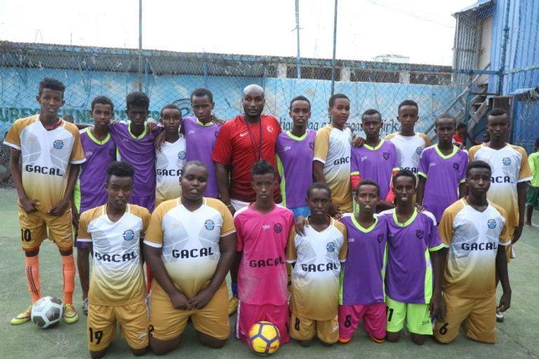 Somali British football trainer returns Mogadishu to train Somali Youth