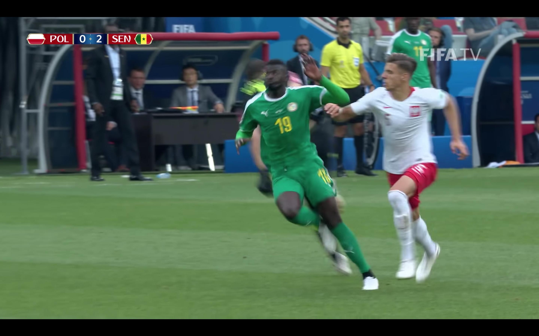 [Daawo Poland] , Sola Bidaar seediyaashiis oo si xun loo garaacay Ciyaarta World Cup