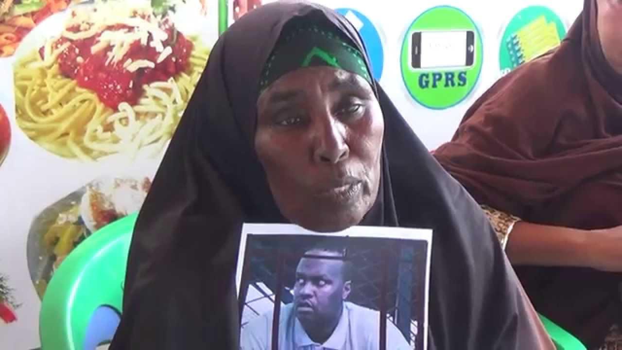 [Daawo] damiir la-aanta Dowladda Farmaajo oo Maareeyaha dekadda Xamar ka dhigtay ninkii 19 sano been abuur ku xiray wiil Somalia