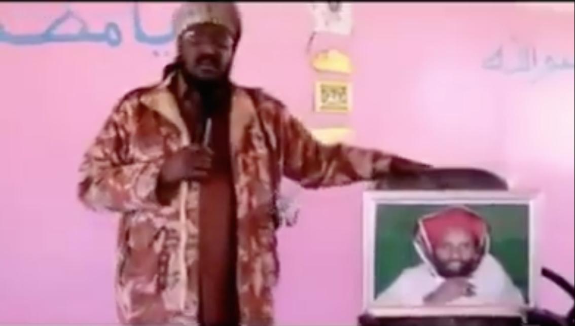 [Daawo Subxaanalah] Somali Sawir beena Nabigeena ku sheegay kadibna hees u qaaday