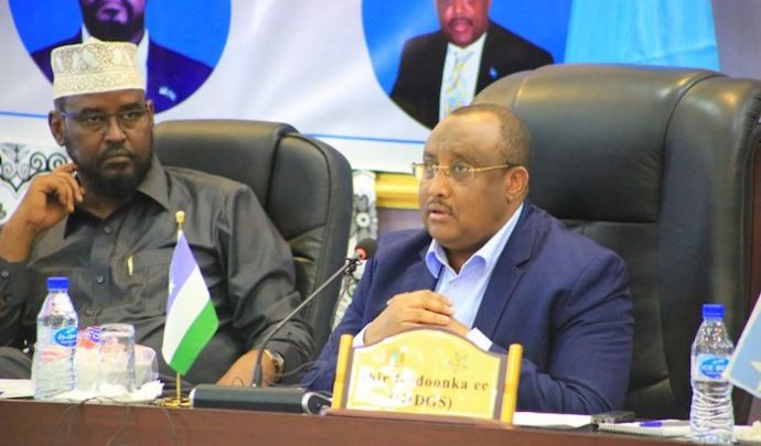 State leaders mull own army as charges against Mogadishu hold