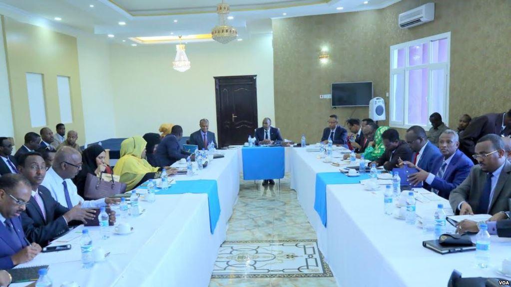 [Topnews] Golaha Baarlamanka Federaalka ah Ee Somalia oo R.W.Khayre ka dalbaday inuu is Casilo (Warbixin)