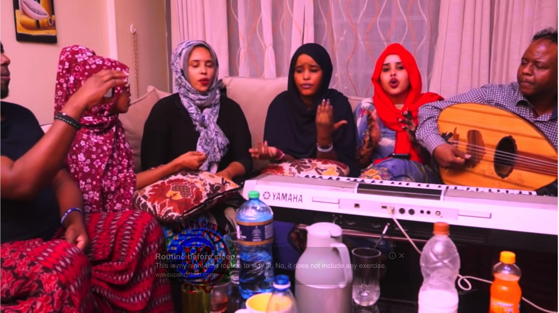 [Daawo] maxaa kala qabsaday Qaali Ladan ,Shaadiya Sharaf iyo Nadiiro Nayruus - Dahir Alasow