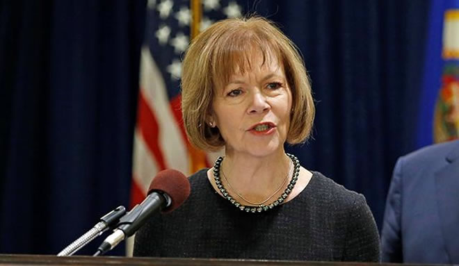 Sen. Tina Smith Leads Effort to Extend Humanitarian Protections For Somali Nationals Living in Minnesota, Across the Country