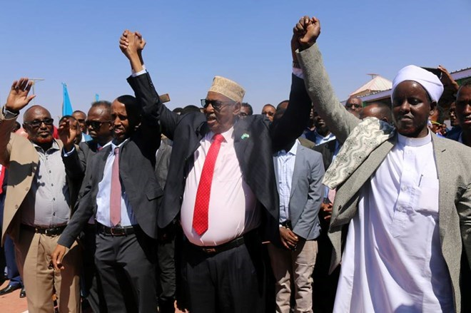 Galmudug State flag hoisted in Dhusamareeb for the first time since its inception