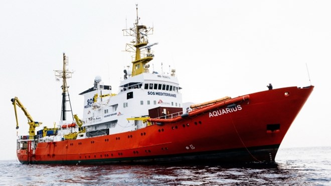 French ports 'ready to welcome migrant rescue ship'