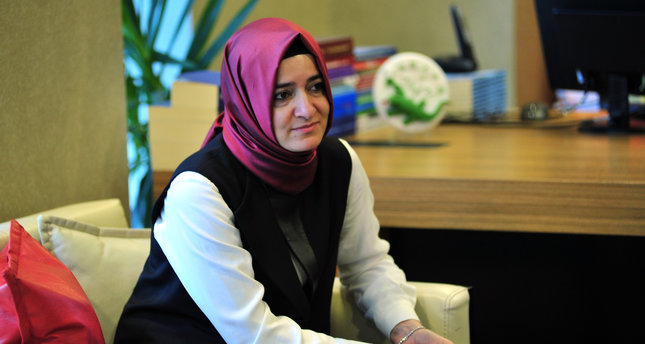 Dutch Police detains Turkish family minister to deport her to Germany